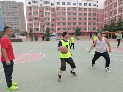 """""""篮""""青春,""""球""""精彩——兰州成功学校新高一年级举行教师篮球友谊赛"""